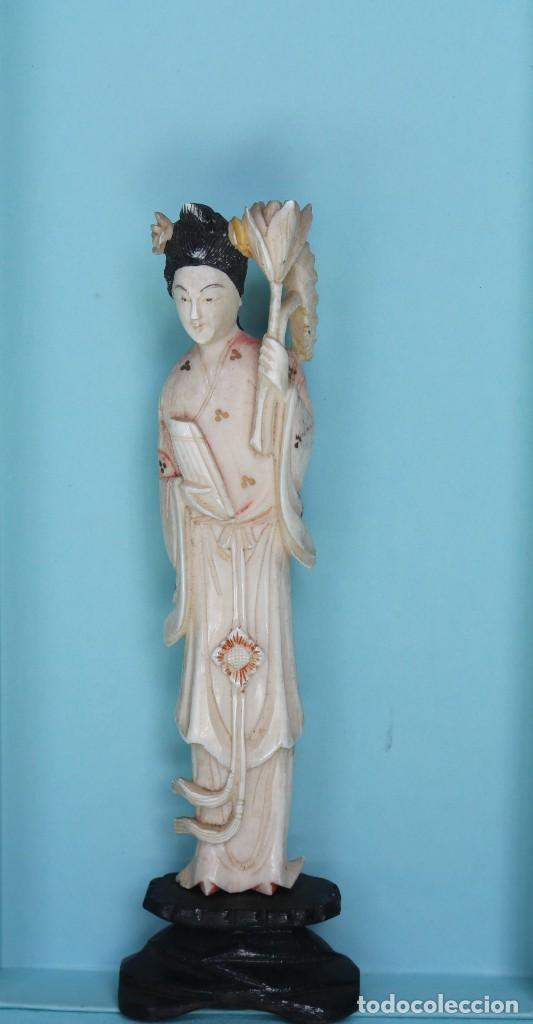 Arte: Talla japonesa de marfil pintado. Japanese sculpture of painted ivory. - Foto 5 - 71660359
