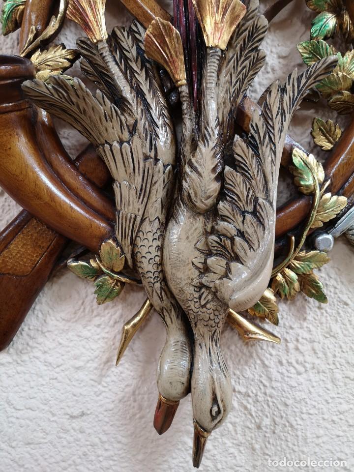 Arte: escudo de madera de cedro - Foto 2 - 204800847