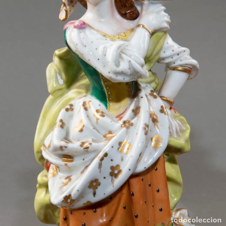 Arte: Pareja de candeleros de una vela en porcelana francesa del siglo XIX. - 40*17cm - Foto 3 - 205139197