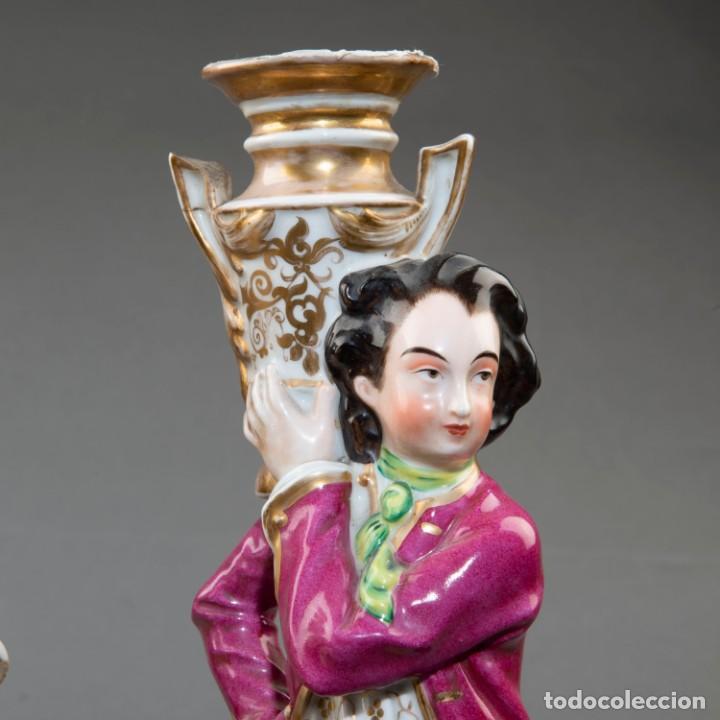 Arte: Pareja de candeleros de una vela en porcelana francesa del siglo XIX. - 40*17cm - Foto 5 - 205139197