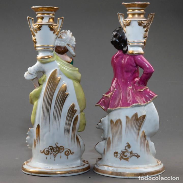 Arte: Pareja de candeleros de una vela en porcelana francesa del siglo XIX. - 40*17cm - Foto 8 - 205139197