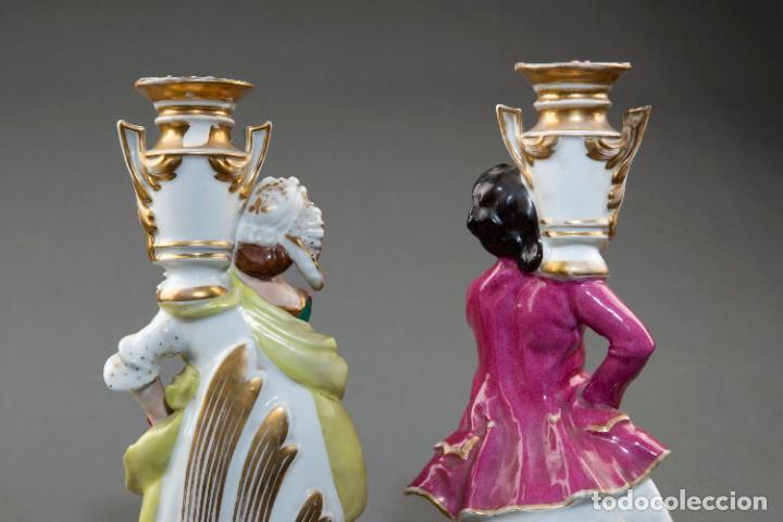 Arte: Pareja de candeleros de una vela en porcelana francesa del siglo XIX. - 40*17cm - Foto 11 - 205139197