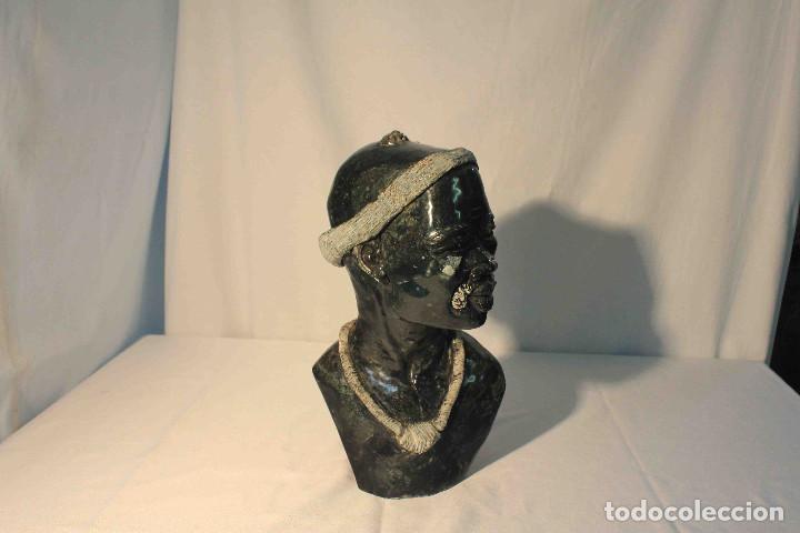 BUSTO AFRICANO COLLAR (Arte - Escultura - Piedra)