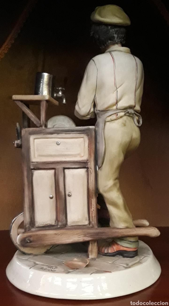 Arte: Porcelana Capodimonte italia el afilador - Foto 3 - 206192680