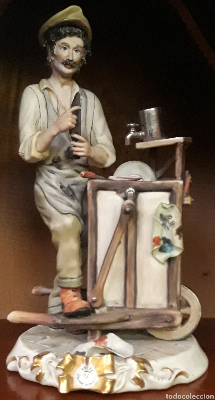 PORCELANA CAPODIMONTE ITALIA EL AFILADOR (Arte - Escultura - Porcelana)