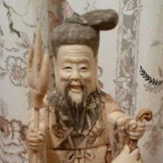 Arte: ANTIGUA TALLA EN HUESO CHINO TALLADO A MANO E BONE STATUE CHINESE ANTIQUE. Lote 206794700