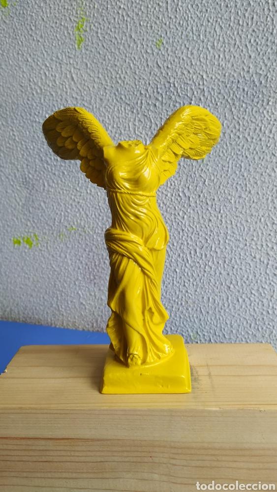 FIGURA RESINA VICTORIA DE SAMOTRACIA. FIGURA DECORACIÓN MODERNA. (Arte - Escultura - Resina)