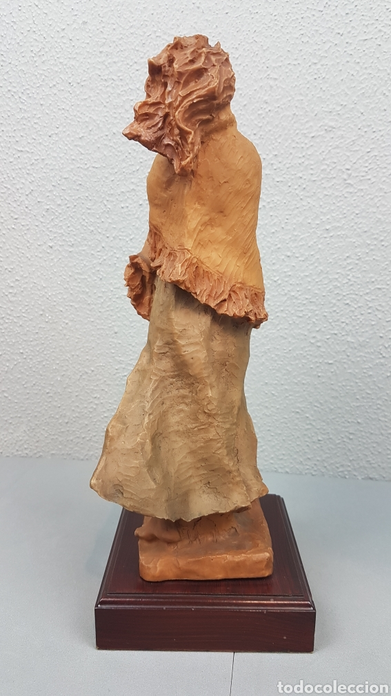 Arte: Bonita escultura de mujer en resinadel escultor Josep Bofill Moliné (Barcelona, 1942) - Foto 6 - 208486451