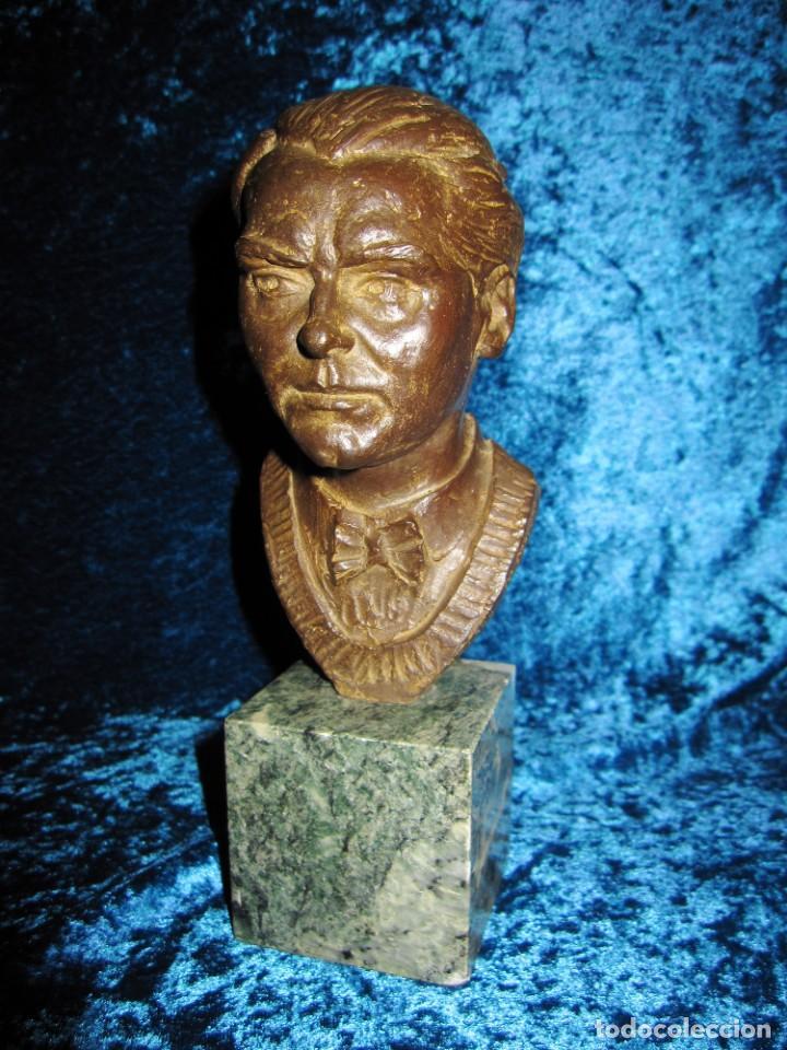 Arte: Busto bronce Federico García Lorca. Miguel Moreno. Certificada y numerada - Foto 11 - 219203811