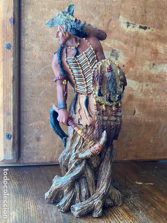 IMPRESIONANTE JEFE INDIO EN RESINA 25 CM (Arte - Escultura - Resina)