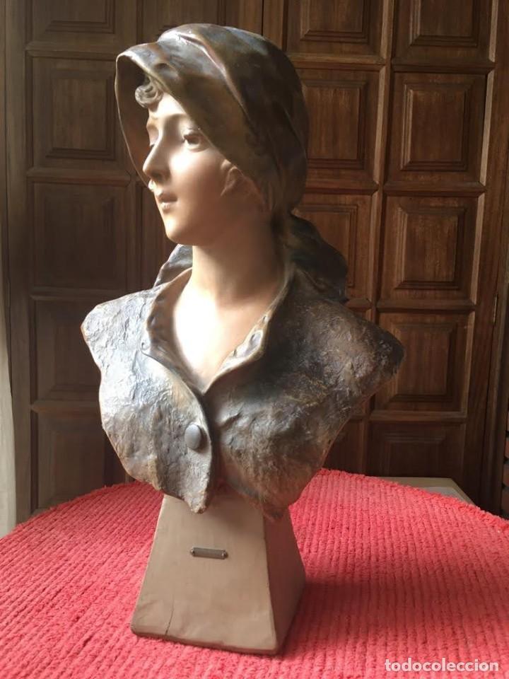 BUSTO MODERNISTA DE MUJER JOVEN (Arte - Escultura - Terracota )