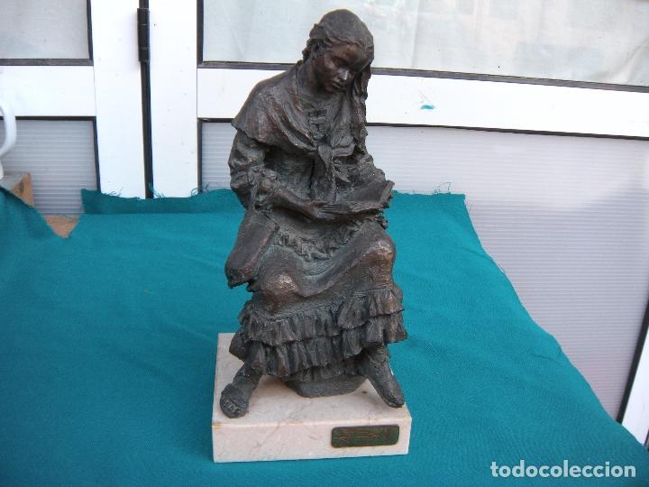 JOSEP BOFILL, MUCHACHA LEYENDO (Arte - Escultura - Resina)
