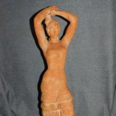 Arte: (M) ESCULTURA DE TERRACOTA BAILADORA DE FLAMENCO - FIRMADA J CARDELLÀ I CRUSSELL. Lote 209102495