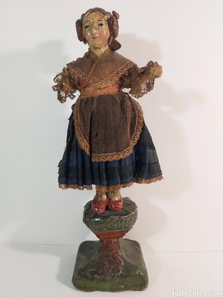 ANTIGUA FIGURA EN TERRACOTA POLICROMADA REPRESENTANDO VALENCIANA REGIONAL. SIGLO XIX (Arte - Escultura - Terracota )