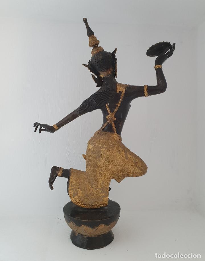 Arte: Gran escultura antigua de Bailarín Tailandés Khon en bronce cincelado parcialmente patinado . - Foto 4 - 210413787