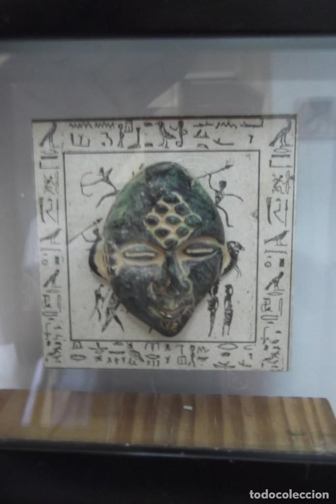 """¡¡ MASCARA """" CAZADOR PREHISTORICO """" BRONCE, EN UN MARCO VIRINA !! (Arte - Escultura - Bronce)"""