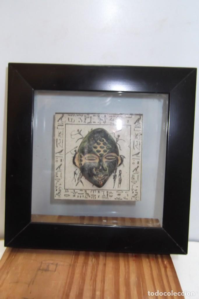 """Arte: ¡¡ MASCARA """" CAZADOR PREHISTORICO """" BRONCE, EN un marco VIRINA !! - Foto 3 - 210439137"""