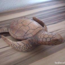 Arte: PRECIOSA TORTUGA MARINA TALLADA EN MADERA DE ROBLE.MUY DETALLADA.. Lote 210536296