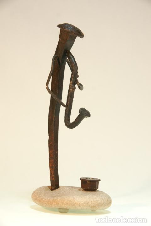 Arte: Divertida escultura de músico con saxo, realizada con materiales reciclados. Pieza artesanal y única - Foto 2 - 210934036