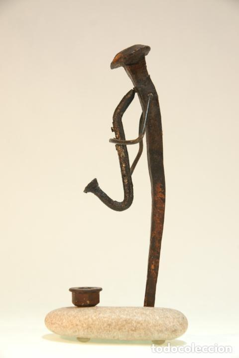 Arte: Divertida escultura de músico con saxo, realizada con materiales reciclados. Pieza artesanal y única - Foto 3 - 210934036