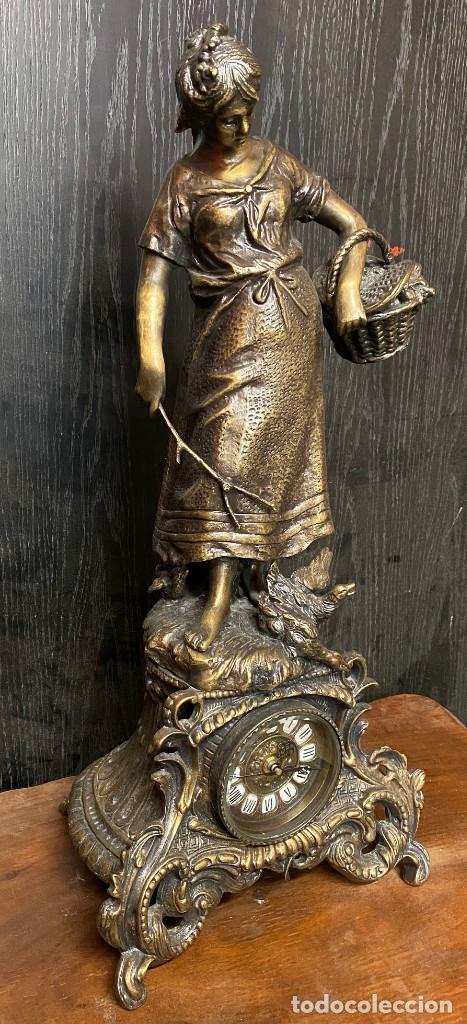 Arte: Antiguo reloj, escultura ,figura, de bronce macizo, modernista. 65x30x22cm Marcel Début - Foto 7 - 121351295