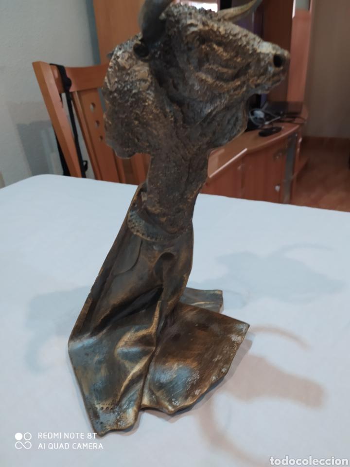 Arte: Impresionante escultura de Toro realizada en resina - Foto 8 - 212785002