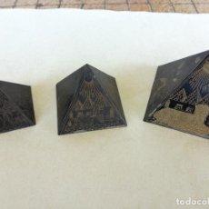 Art: 3 PIRAMIDES EN LATON CON BELLOS GRABADOS REALIZADOS A MANO DE ESCENAS FAMOSAS DEL ATIGUO EGIPTO. Lote 213008008