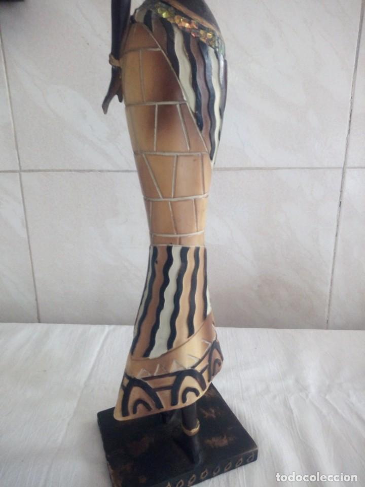 Arte: Mujer africana con cántaro de agua de resina. - Foto 7 - 213439076