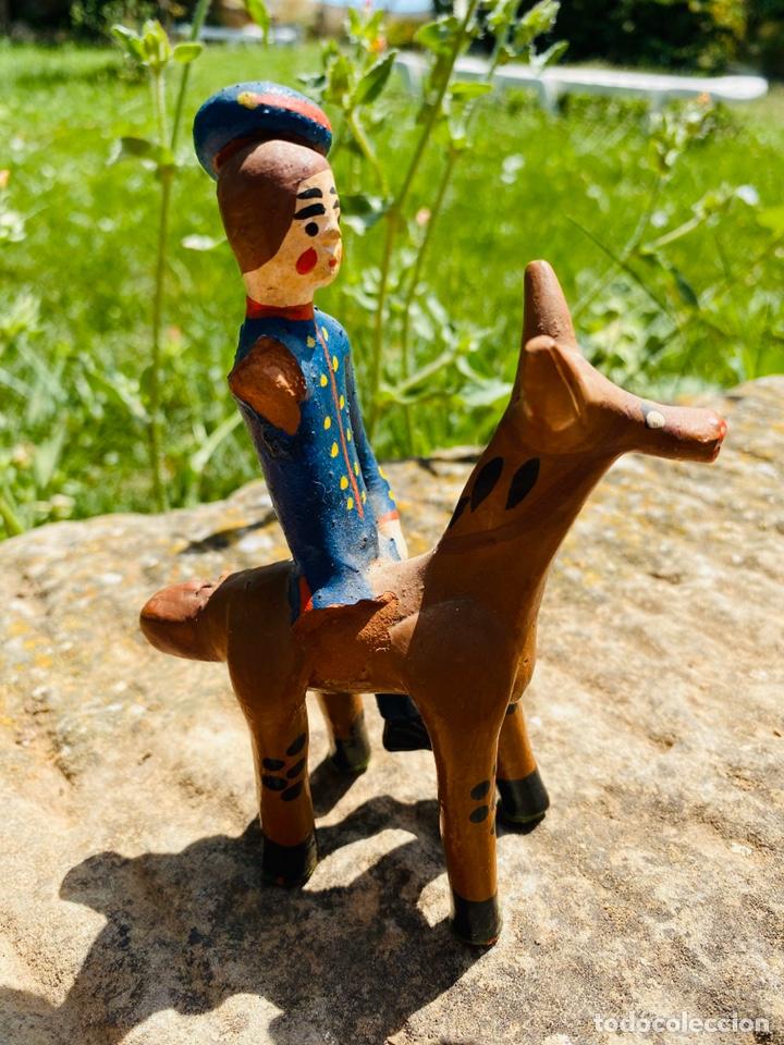 Arte: Dama y jinete militar, ambos a Caballo. Olaria Alfacinha. Portugal. - Foto 4 - 213464096