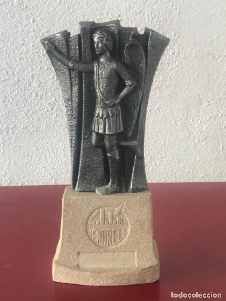 ESCULTURA DEL ÁNGEL TOBIES DE EL VENDRELL TARRAGONA. (Arte - Escultura - Hierro)