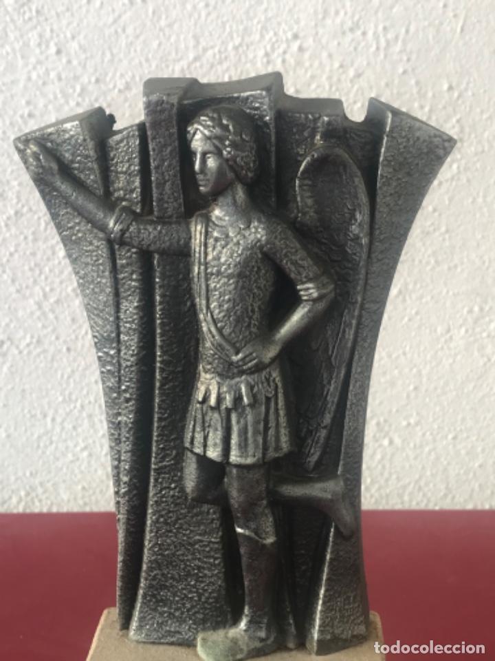 Arte: ESCULTURA DEL ÁNGEL TOBIES DE EL VENDRELL TARRAGONA. - Foto 2 - 213679413