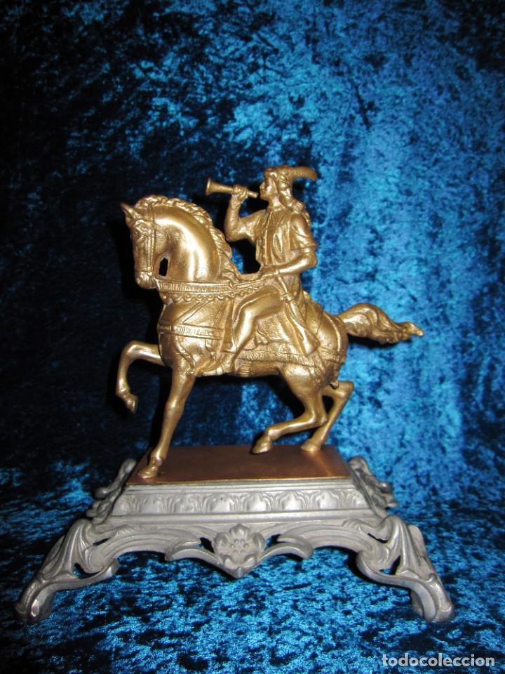FIGURA JINETE SOBRE CABALLO BRONCE CARTERO REAL PEANA LABRADA (Arte - Escultura - Bronce)