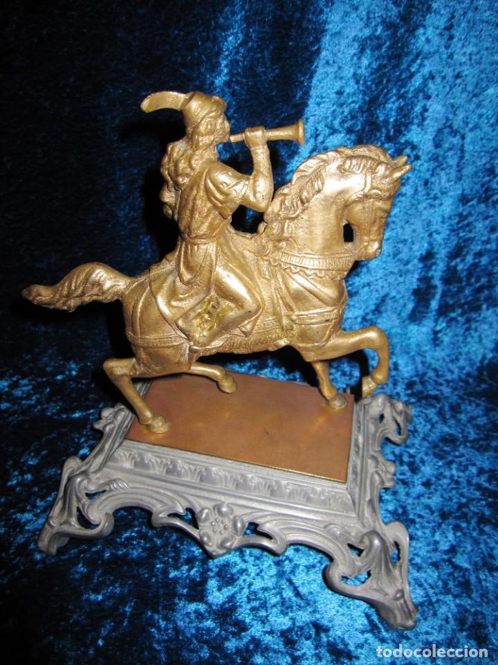 Arte: Figura jinete sobre caballo bronce cartero real peana labrada - Foto 4 - 213820127