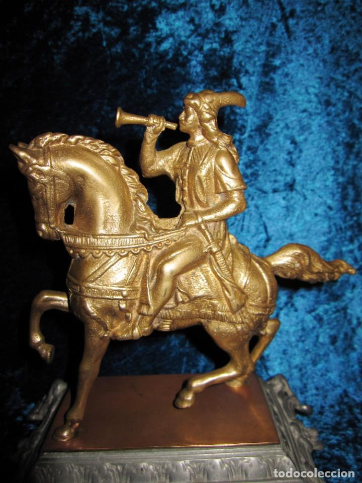Arte: Figura jinete sobre caballo bronce cartero real peana labrada - Foto 7 - 213820127