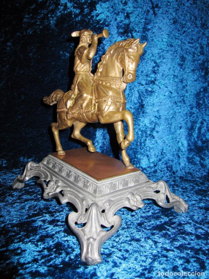 Arte: Figura jinete sobre caballo bronce cartero real peana labrada - Foto 11 - 213820127