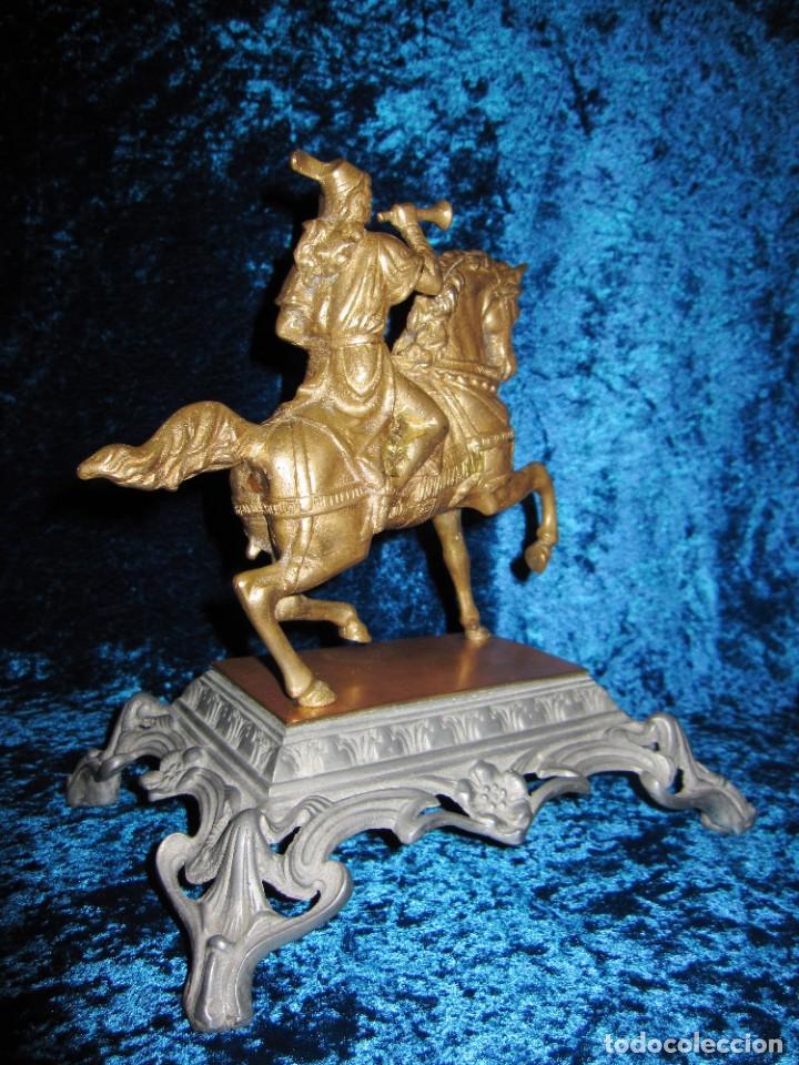 Arte: Figura jinete sobre caballo bronce cartero real peana labrada - Foto 12 - 213820127