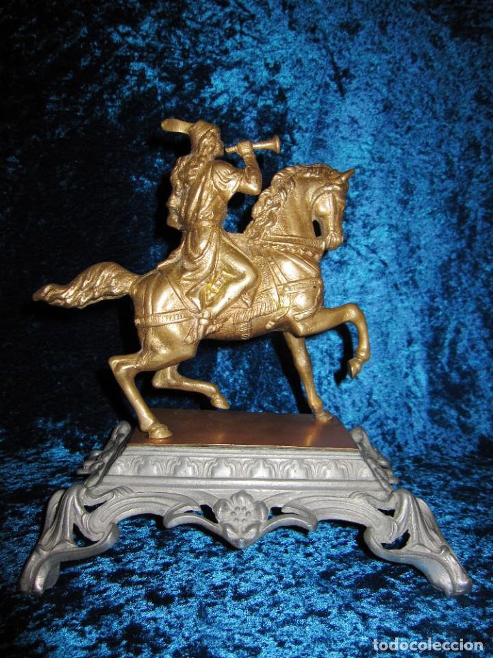 Arte: Figura jinete sobre caballo bronce cartero real peana labrada - Foto 13 - 213820127