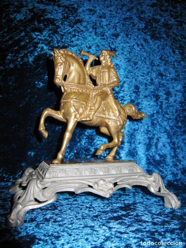 Arte: Figura jinete sobre caballo bronce cartero real peana labrada - Foto 17 - 213820127