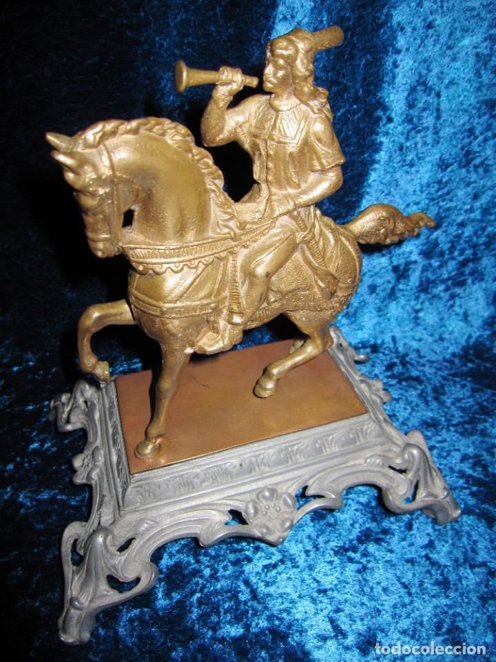 Arte: Figura jinete sobre caballo bronce cartero real peana labrada - Foto 19 - 213820127