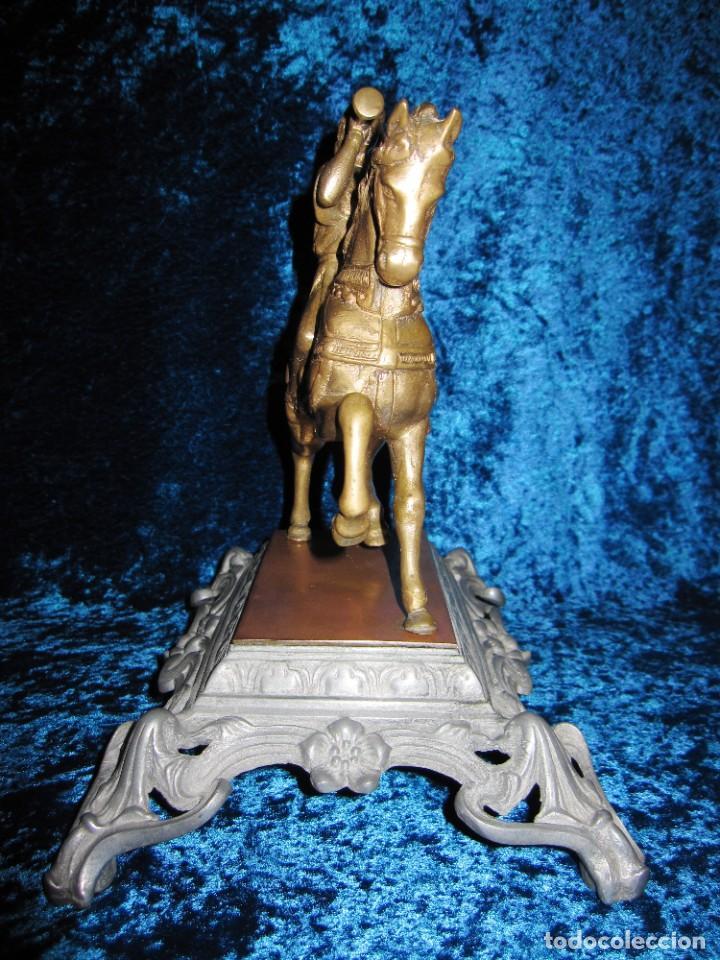 Arte: Figura jinete sobre caballo bronce cartero real peana labrada - Foto 21 - 213820127