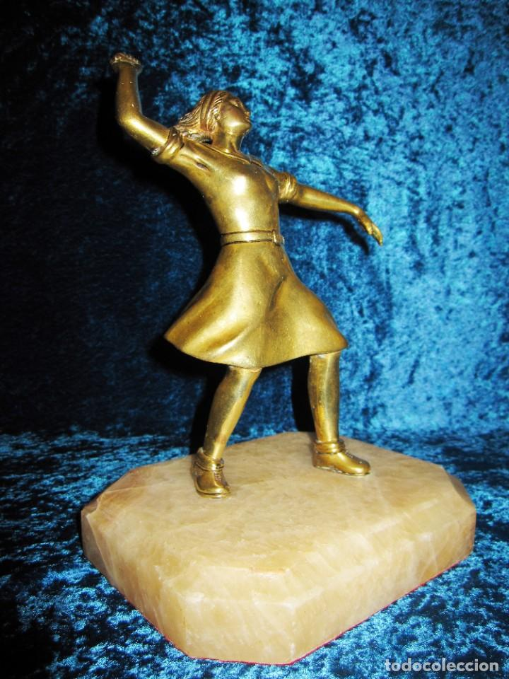 "Arte: Trampantojo bronce ""Alegato feminista"" mujer sobre peana mármol rosa circa 1920-1930 - Foto 7 - 215766223"