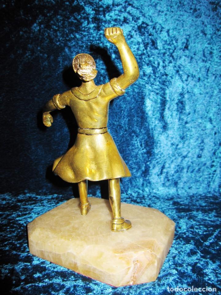 "Arte: Trampantojo bronce ""Alegato feminista"" mujer sobre peana mármol rosa circa 1920-1930 - Foto 13 - 215766223"