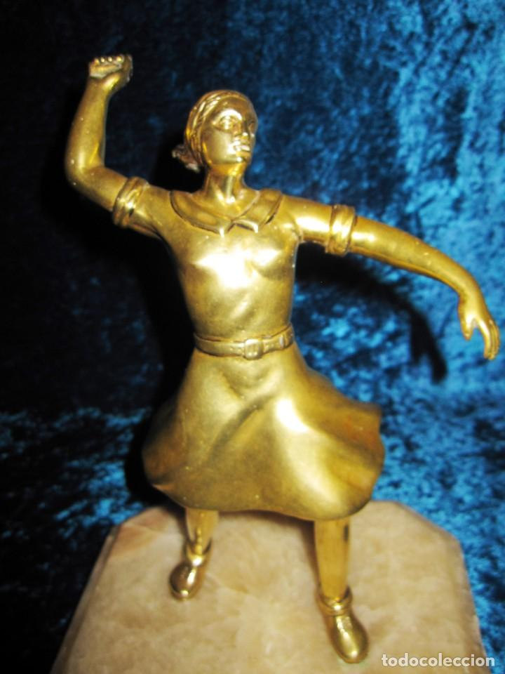 "Arte: Trampantojo bronce ""Alegato feminista"" mujer sobre peana mármol rosa circa 1920-1930 - Foto 16 - 215766223"