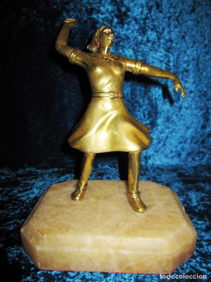 "Arte: Trampantojo bronce ""Alegato feminista"" mujer sobre peana mármol rosa circa 1920-1930 - Foto 17 - 215766223"