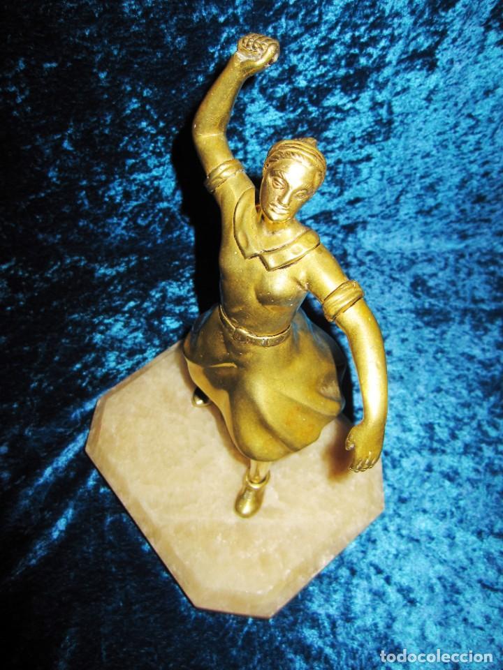"Arte: Trampantojo bronce ""Alegato feminista"" mujer sobre peana mármol rosa circa 1920-1930 - Foto 24 - 215766223"