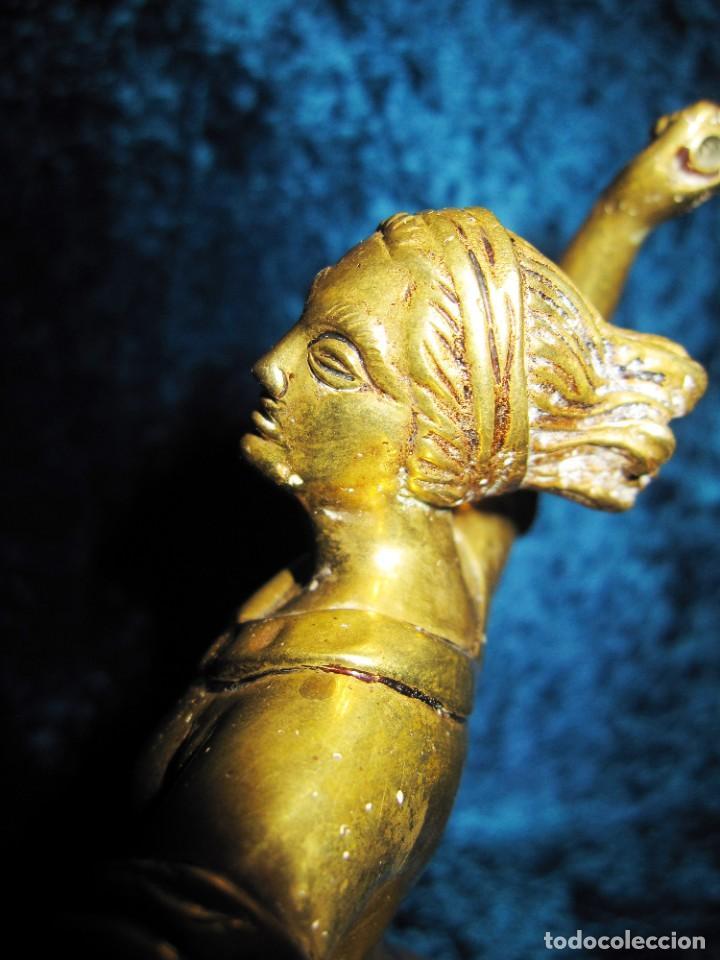 "Arte: Trampantojo bronce ""Alegato feminista"" mujer sobre peana mármol rosa circa 1920-1930 - Foto 35 - 215766223"