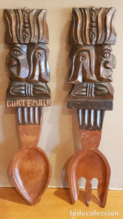 TALLADO EN MADERA / CURIOSO TENEDOR Y CUCHARA DE GUATEMALA / PARA COLGAR / 36 X 8 CM. (Arte - Escultura - Madera)