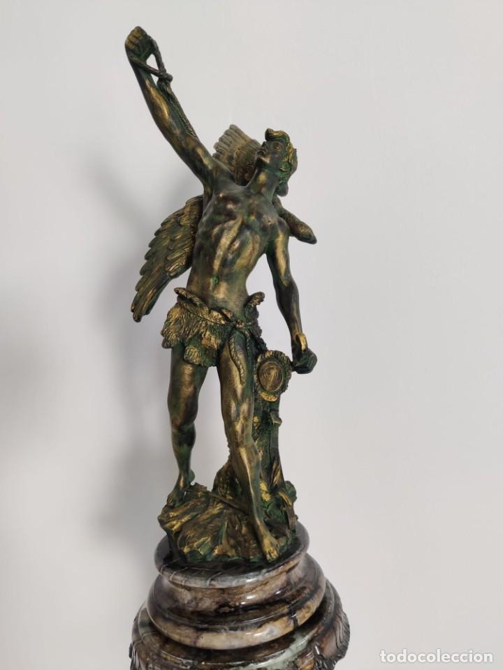 Arte: Cazador de Aguilas, escultra en resina con pedestal columna de mármol - Foto 2 - 218241897