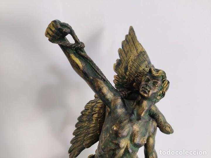 Arte: Cazador de Aguilas, escultra en resina con pedestal columna de mármol - Foto 7 - 218241897