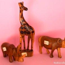 Arte: LOTE DE TRES ANIMALES DE MADERA TALLADOS A MANO KENIA VINTAGE. Lote 218901697